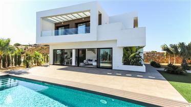 Villa de Diseño Moderno in Alicante