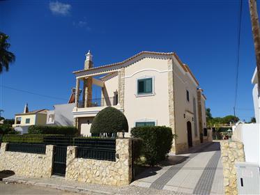 Villa,  5 minutos do aeroporto de Faro