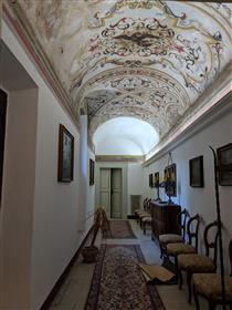 Palazzo Storico Di Prestigio
