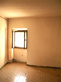 Casa Da Ristrutturare Con Terrazzo