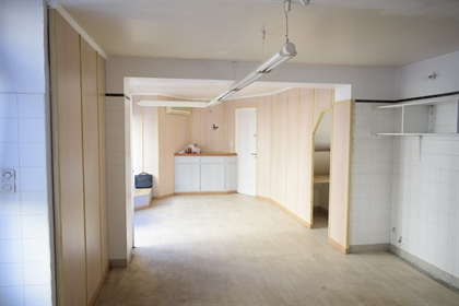 Discover this 120 sqm building on the ground floor of a 31m ...