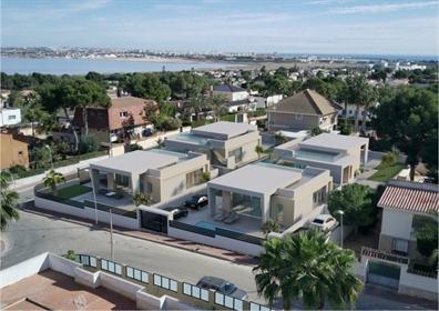 Villa en una sola planta en Los Balcones, Torrevieja