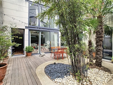 In Colombes, in the very sought after area of Hoche, close to shops and the train station,