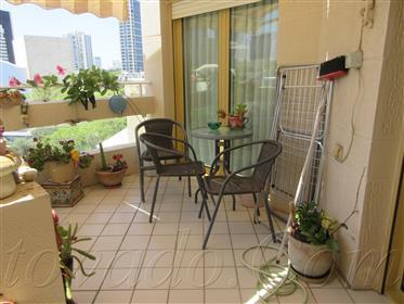 Красивая квартира с солнечной террасой и прекрасным и свободным видом