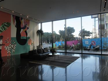 Большой кокон и впечатляющий пентхаус в своей красоте + бассейн