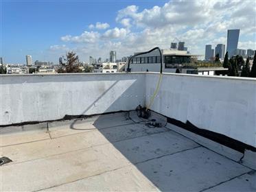 פנטהאוז תל אביבי חדש ומיוחד במפלס אחד עם מרפסות שמש רחבות  ו...