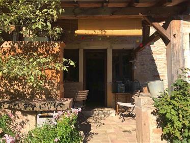 Maison bourguignonne entièrement rénovée
