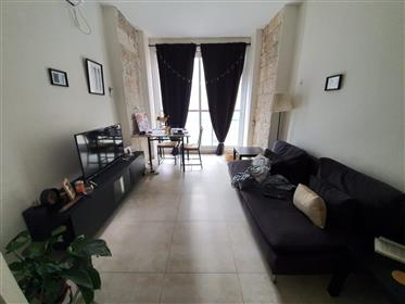 In the city center, Eliash Street in a maintained and clean building,