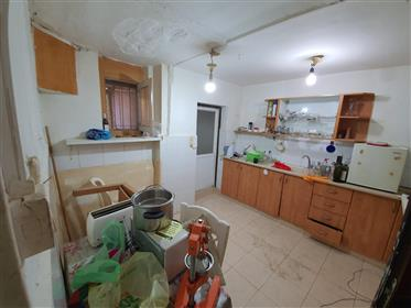 A small garden apartment for sale in the heart of Rehavia,
