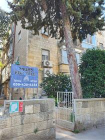 Apartment on Metudela Street in Rehavia (private land).