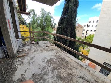 4 rooms apartment for sale in old Katamon
