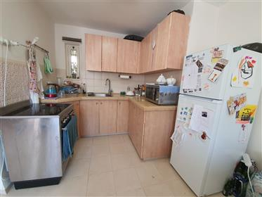 3 and a half room apartment for sale exclusively