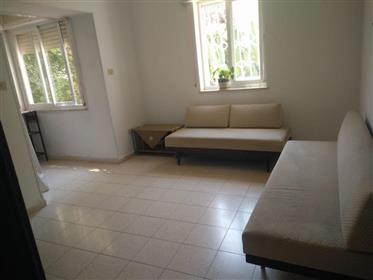 Rear and quiet apartment in Rehavia, in a very central place !!