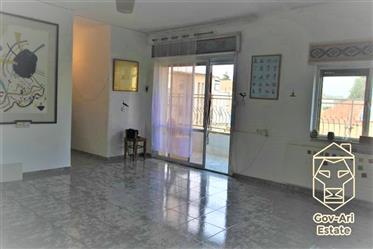 Au cœur de Baka, un appartement lumineux de 2 pièces avec balcon est à la recherche d'un acheteur!
