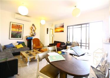 ? Exclusive Duplex Penthouse For Sale In Nachlaot ? Don't Miss Out !!