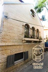 """The Turret House"" - A unique and stunning property for sale in Nachlaot! Exclusive"