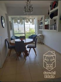 For sale, a renovated and beautiful 3-room apartment  in Arnona! A great investment property of a פי