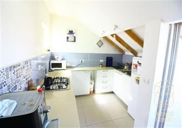 Price drop to close a deal! Exclusive! 85 Sqm duplex, with adjoining roof balcony