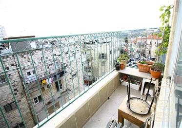 Special Price Reduction For The Corona Period!! 2 Room Apartment For Sale In The Heart Of Nachlaot E