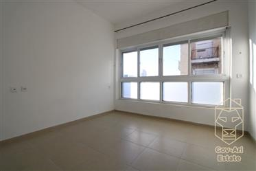 For sale in the heart of Nachlaot, a renovated 3-room apartment!!
