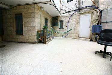 Appartement de jardin lumineux et beau à vendre !