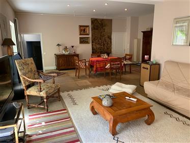 Bourgogne 21 Beaune Maison De 236 M² 5 Chambres  Cour Terras...