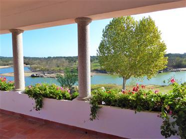 1.200 hectares, caça, cortiça, bolota, turismo. Portugal, Évora.