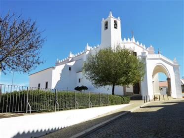 Nearly new V2 type Villa. Portugal, Vimieiro, Arraiolos.
