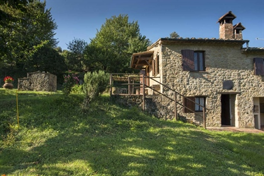 Rustico/Casale/Corte di 250 m2 a Pomarance