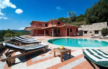 Isla Elba, Villa Portoferraio en ubicación panorámica