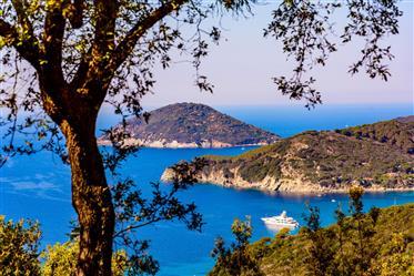 Isola D'elba, Procchio, chalet con vistas al mar.