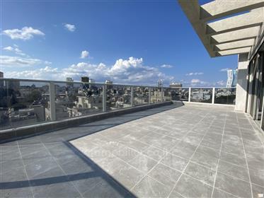 פנטהאוז מהמם עם נוף של 360