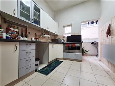דירה פוטנציאלית במיקום מצוין - קרוב לכיכר דיזנגוף