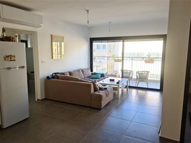 דירה פגז בשכונת מונטפיורי - 4 חדרים