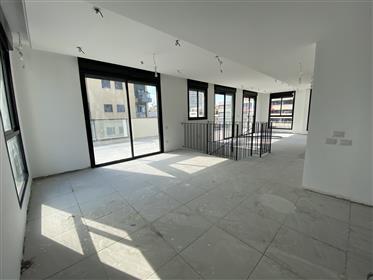 Duplex-Penthouse - Immeuble Neuf - Rue Calme