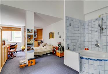 Bauhaus building - Rue Calme - Rothschild - 2 in 1!