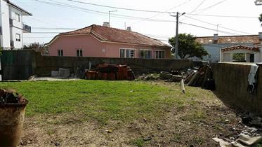 Terreno no centro de São Martinho Porto