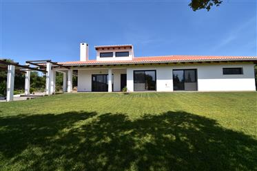 Villa 5 pièces, Terrasses, Garage, Terrain 5 000 m2