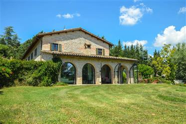 Newly Remodeled Farmhouse In Northern Marche