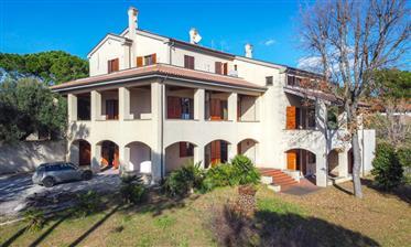 Luxury Villa With Seaview in Civitanova March