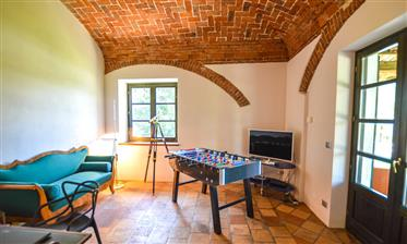 Luxury Villa With Pool In The Langhe, Piedmont