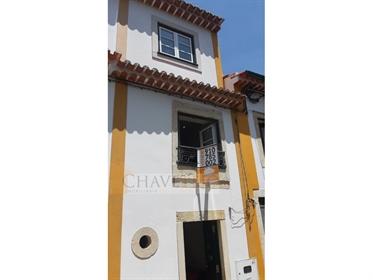 Casinha T1 mobilada e equipada para arrendamento no centro histórico de Tomar