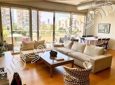 In Tel Aviv, in Savyoni Ramat Aviv, in a prestigious, and unique project,