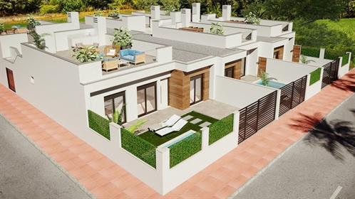 Complejo de lujo de 28 villas adosadas de un nivel con piscina privada para cada casa. Las...
