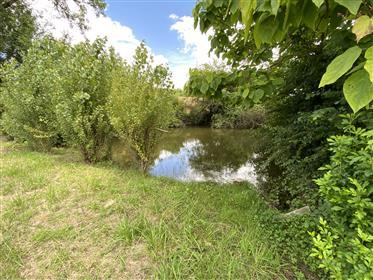 5 min from Villeréal, Old farm property