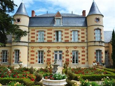 Château XIXo avec piscine sur terrain clos 3615 m2
