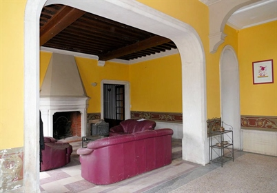 19Th century chateau and its outbuildings to renovate on 10h...