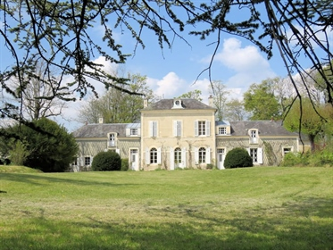 19Th century manor house with outbuildings on 1ha 22a 77ca