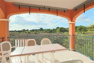 Appartement de trois pièces traversant avec vue dégagée sur le Golf