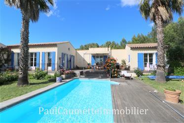 Villa d'architecte à rénover de 140 m2 au Golf Saint Thomas, entre Pezenas et Beziers